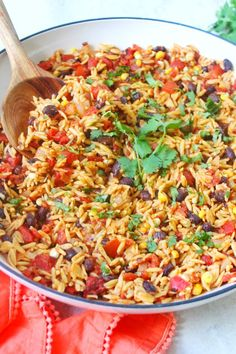 Easy Homemade Spanish Rice Homemade Spanish Rice, Spanish Rice Recipe, Easy Rice Recipes, Healthy Recipes, Chickpeas Benefits, Cooking Black Beans, Lunch To Go, Healthy Side Dishes, Dinner Dishes