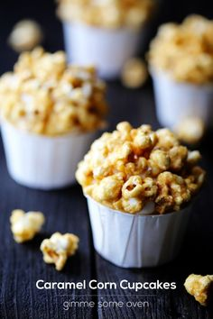 Caramel Corn Cupcakes topped with salted caramel buttercream & heavenly caramel corn. SO tasty! Corn Cupcakes, Yummy Cupcakes, Cupcake Cookies, Vanilla Cupcakes, Cupcake Recipes, Dessert Recipes, Desserts, Cupcake Flavors, Cake