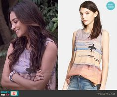 Emily's surfer graphic top on Pretty Little Liars.  Outfit Details: http://wornontv.net/51063/ #PLL