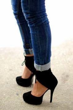 Black high heel   Fashion World