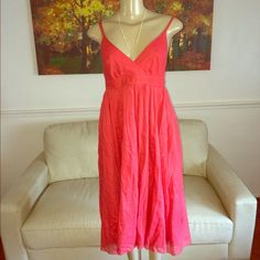 This gorgeous perfection is by J Crew This perfection is by J Crew very sexy beautiful and sassy very classy flowey and seductive J Crew Dresses Midi