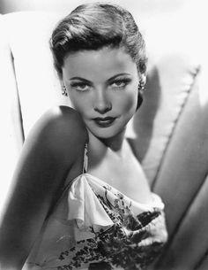 Gene Tierney, fue una actriz de Hollywood, estrella de la era dorada de la Meca del cine, famosa por su belleza. Según el productor Darryl F. Zanuck, sería «incuestionablemente la mujer más bella de la historia del cine».