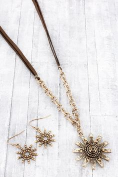 Worn Goldtone Spur Chain & Faux Leather Cord Necklace and Earring Set #QNE12945-GBBR