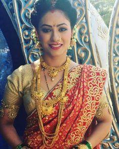 Beautiful Indian Actress, Beautiful Bride, Beautiful Women, Indian Makeup Looks, Marathi Wedding, Actress Navel, Durga Goddess, Indian Actresses, Indian Fashion