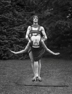 Ballet dancers Anna Pavlova (1885-1931) and Laurent Novikov (1888-1956). Photographed by E.O. Hoppé (1878-1972), 1923.