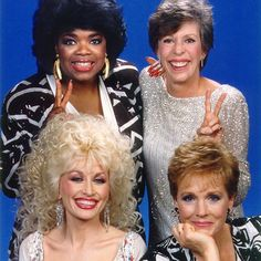 There are 3 people in this pic that I would like to meet. You can guess who they are. (Oprah Winfrey, Carol Burnett, Julie Andrews and Dolly Parton in Dolly Parton Tattoos, Dolly Parton Quotes, Dolly Parton Movies, Julie Andrews, Dolly Parton Zitate, Dolly Parton Imagination Library, Dolly Parton Costume, Dolly Parton Pictures, Carol Burnett