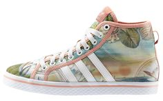 ADIDAS HONEY MID Prezzo: 80,00€ Acquista ora: http://www.aw-lab.com/shop/adidas-honey-mid-5012209 Spedizione Gratuita