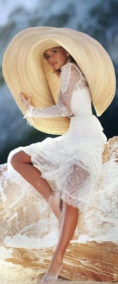 Outdoor Fashion, Wearing A Hat, Girl With Hat, Summer Hats, Hats For Women, Editorial Fashion, Panama Hat, Fashion Photography, Style Inspiration
