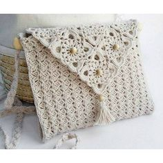 Simple patterns to crochet delicate white handbag Bag Crochet, Crochet Shell Stitch, Crochet Handbags, Crochet Purses, Love Crochet, Crochet Gifts, Crochet Yarn, Crochet 101, Mobiles En Crochet
