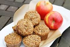Heart Healthy Apple Oat Bran Muffins + other apple recipes. Oat Bran Muffins, Apple Cinnamon Muffins, Applesauce Muffins, Muffin Recipes, Apple Recipes, Recipe Using Applesauce, Banana Madura, Healthy Muffins, Healthy Protein