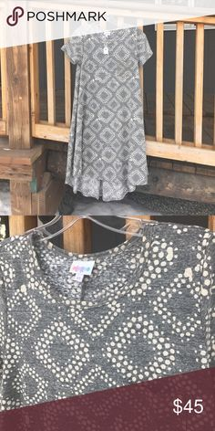 LulaRoe Carly Dress Size XS Grey with cream/light tan polka dots.  Never worn.  Runs large. LuLaRoe Dresses High Low