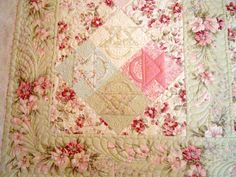 HollyDee Quilts - Love the colors!