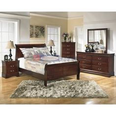 Signature Design Alisdair B376 5 pc Queen Bedroom Set