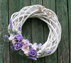 Velký romantický věnec do fialkova - na přání / Zboží prodejce jircice | Fler.cz Willow Wreath, Grapevine Wreath, Nylon Flowers, Diy Flowers, Easter Wreaths, Christmas Wreaths, Corona Floral, Lavender Wreath, Wedding Wreaths