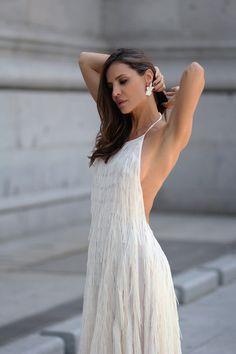 El vestido de flecos de Zara looks - Lady Addict Vestidos Zara, Awards, Dress Up, White Dress, Gowns, Womens Fashion, Addiction, Bohemian Clothing, Draping