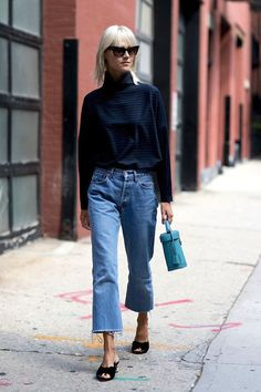 Photo via: Style Caster Thanks to this street style inspiration featuring Linda Tol, we now have a great way to pull off mule sandals straight into the fall season. Simply throw on a pair of cat-eye s King Fashion, Fashion Week, Winter Fashion, Fashion Trends, Fashion Ideas, Gaucho, Trends 2018, Jeans Trend, Linda Tol