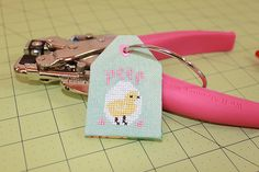 Floss Tag Tutorial by The Twisted Stitcher