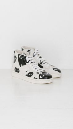 01d317bc691198 Play Comme des Garçons Play Converse Pro Leather in White and Black Heart