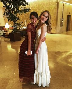 Images and videos of martina stoessel Disney Channel, Violetta Disney, Clara Alonso, Beverly Hilton, Ambre, Mercedes, Best Friends Forever, Bridesmaid Dresses, Wedding Dresses