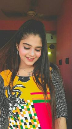Dazzy Roy is one of the well known Tik Tok star in india . She is the fastest growing tik toker in very less time . She is mainly famous for her cute lokks and smile . Net Worth, Tik Tok, Boyfriend, India, Smile, Stars, Cute, Women, Goa India