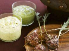 Fondue mit Lamm ist ein Rezept mit frischen Zutaten aus der Kategorie Dips. Probieren Sie dieses und weitere Rezepte von EAT SMARTER!
