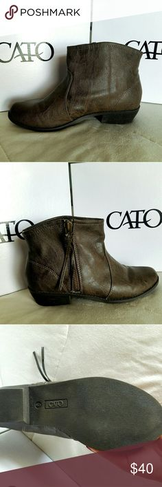 """Gray Booties Brand: Cato Size:9"""" for adult Color: Show to the pictures  Condition: Its new never been worn Cato Shoes Ankle Boots & Booties"""