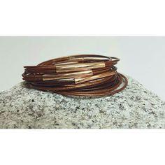 Wickelarmband mit Magnetverschluss 💍  Preis:15€🛍 #Armband #SwarovskiElements #Sandrabormanndesign #glitzer #Schmuck #Leder #modern #schick #dezent #braun #rosegold #rosa #Magnetverschluss #musthave #germany #beautiful #Schmuckstück #handmade #Armreif #picoftheday #cute #schmuckliebe #leatherbracelet #leather #bracelet