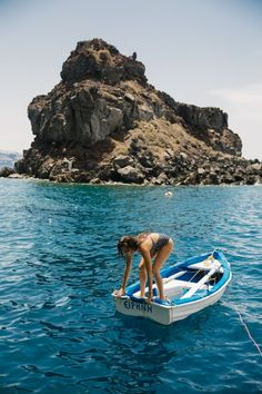 Summertime in Santorini >>