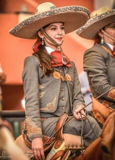 - Art Of Equitation Mexican Costume, Mexican Outfit, Mexican Dresses, Mexican Fashion, Mexican Rodeo, Mexican Style, Mexican Art, Traditional Mexican Dress, Traditional Dresses