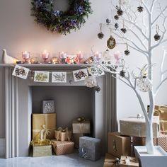 Floral window display | Homemade Christmas ideas | housetohome.co.uk