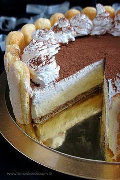 cheesecake (senza cottura) Tiramisù cheesecake senza cottura - No bake tiramisu cheesecakeTiramisù cheesecake senza cottura - No bake tiramisu cheesecake Bolo Tiramisu, Tiramisu Cheesecake, Tiramisu Recipe, Cheesecake Recipes, No Bake Desserts, Just Desserts, Dessert Recipes, Dinner Recipes, Bonbon Fruit