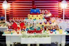 Snow White Birthday Party via idéias do partido de Kara   KarasPartyIdeas.com # neve # branco # Disney # princess # partido # idéias (29)