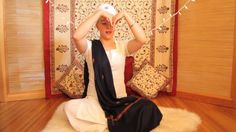 Nirinjan Kaur Teaches the Antar Naad Meditation for the Full Moon. I love being a Kundalini Yoga teacher! I gotta share the medicine with the world Kundalini Mantra, Kundalini Meditation, Breathing Meditation, Meditation Music, Guided Meditation, Meditation Youtube, Advaita Vedanta, Yoga Themes, Mudras