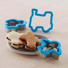 Williams Sonoma Sandwich Cutters: Transportation Set trains and cars and airplanes oh my! Toddler Meals, Kids Meals, Sandwich Cutters, Making Grilled Cheese, Kids Dishes, Williams Sonoma, Cookie Cutters, Healthy Snacks, Sandwiches