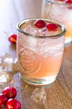 Bourbon Mixed Drinks, Bourbon Smash, Bourbon Cherries, Whiskey Drinks, Sweet Cherries, Cocktail Drinks, Scotch Whiskey, Peach Whiskey, Watermelon Cocktail