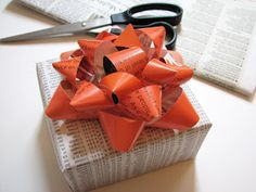 How About Orange: Make a gift bow from a magazine page