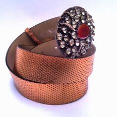 Lindos cintos em couro cobre