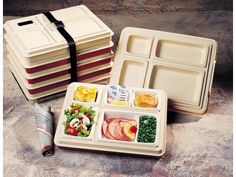 Can ubereats deliver starbucks, Low fat picnic food recipes. Takeaway Packaging, Food Packaging Design, Aboriginal Food, Chicken Recipes Food Network, Cuisines Diy, Bento Box, Food Festival, Food Design, Biodegradable Products