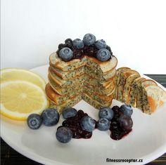 Citrónovo-makové lívance Pancakes, Food And Drink, Breakfast, Fitness, Lemon, Gymnastics, Pancake, Morning Breakfast, Rogue Fitness