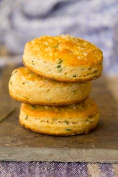 Whole Wheat Chive Biscuits!!!! |healthyseasonalrecipes.com