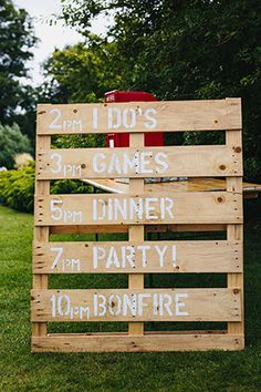 rustic-wooden-signs-for-backyard-outdoor-wedding-ideas.jpg (300×450)