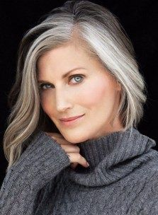23 Grombre Hair Natural will Make You Radiate Inner Beauty from within You - Grey Hair Don't Care, Long Gray Hair, Pelo Color Plata, Silver Haired Beauties, Silver White Hair, Grey Hair Inspiration, Gray Hair Growing Out, Salt And Pepper Hair, Mom Hairstyles