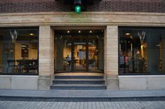 Oude Luxor Theater Rotterdam entrance café, photo Volker wessel