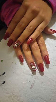Uñas para las manos y pies New Year's Nails, Hair And Nails, Flower Nail Art, April Showers, Simple Nails, Cute Nails, Pedicure, Finger, Nail Designs