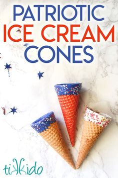 It's easy to transform regular ice cream cones into patriotic, red, white, and blue ice cream cones! Perfect for and easy 4th of July or Memorial Day dessert. Patriotic Crafts, Patriotic Decorations, Fourth Of July Food, 4th Of July, Memorial Day Desserts, Blue Food, Food Crafts, Frozen Treats, It's Easy
