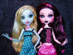 lagoona blue  draculaura monster high dolls