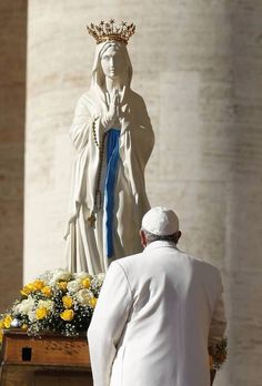 Our Lady with Pope Francis