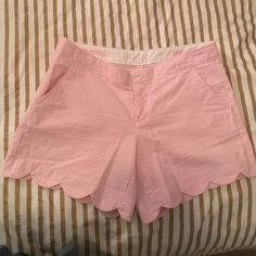 Lilly Pulitzer Seersucker Shorts Size 6 only worn a few times buttercup shorts in pink and white. No stains or holes. Lilly Pulitzer Shorts