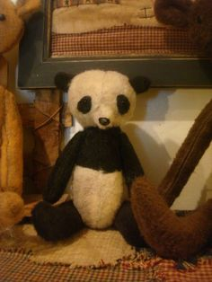 Small Primitive Panda Bear by ColdCreekPrimitives on Etsy, $14.95