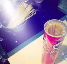 Precisa de um lugar para guardar o macarrão? Que tal uma lata velha de Pringles? | 13 truques que vale a pena tentar mesmo que eles sejam estranhos